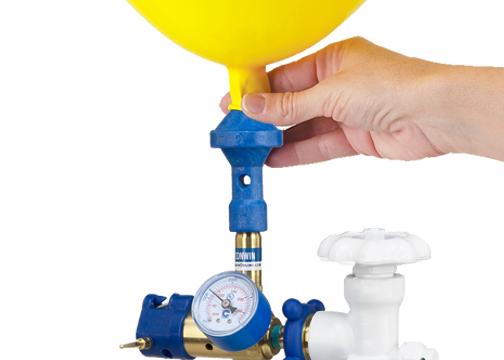 Bơm khí Helium vào bóng bay