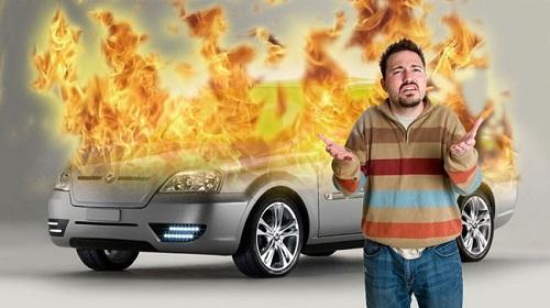 cháy xe oto