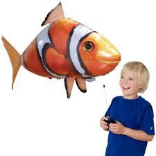 đồ chơi cá bay dành cho bé