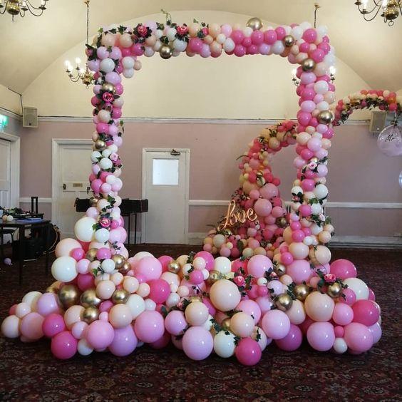 Bong bóng bay trong trang trí tiệc cưới